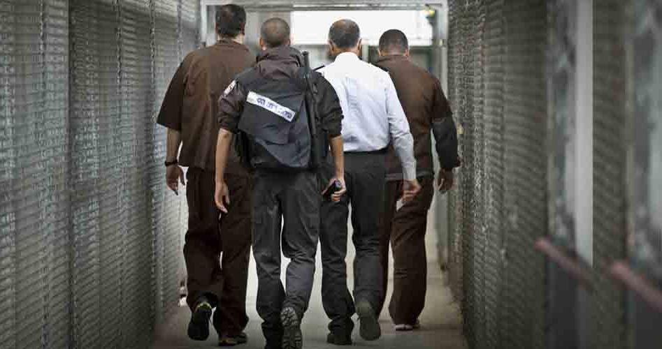 الاحتلال يُعيد اعتقال مقدسي بعد قضائه 15 عاماً في السجون