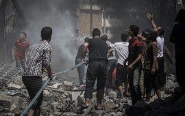 نحو 800 قتيل في 3 شهور.. إدلب وحماة تحت القصف