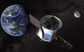 أول هبوط بشري على القمر .. إنجاز تاريخي تلفه الشكوك