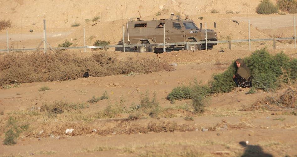 قوات الاحتلال تعتقل فلسطينيًّا جنوب قطاع غزة