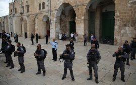 """وزير إسرائيلي يدعو لتمكين اليهود من """"الصلاة"""" في """"الأقصى"""""""