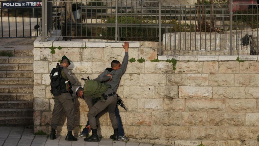 Photo of الاحتلال يشن حملة اعتقالات بالقدس