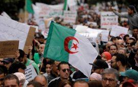 الجزائر.. تواصل الاحتجاجات للجمعة الـ 25