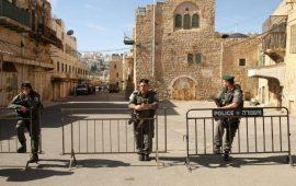 الاحتلال يبعد ناشطًا مقدسيًا عن الأقصى 15يومًا