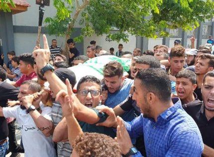 الآلاف يشيعون جثامين شهداء شمال قطاع غزة