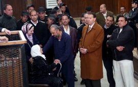 وفاة والدة البلتاجي بمصر.. ومطالب بالسماح له بدفنها