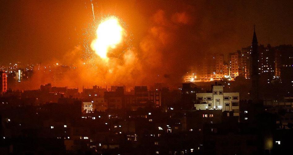 Photo of الاحتلال يشن سلسة غارات على قطاع غزة