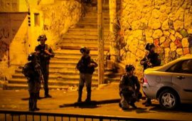 """إصابات واعتقال شاب بمواجهات شديدة مع الاحتلال بـ""""العيسوية"""""""