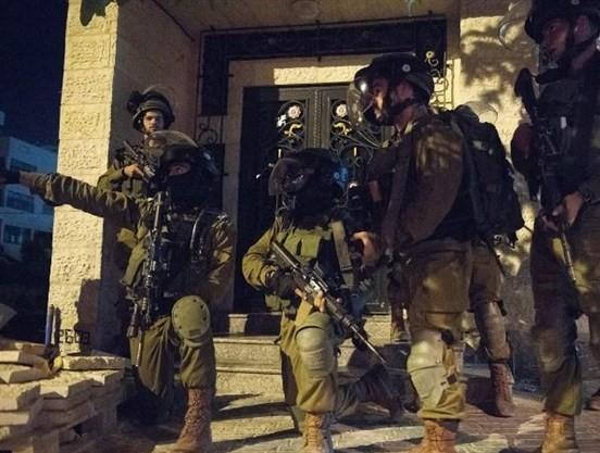 Photo of الاحتلال يشن حملة اعتقالات ودهم واسعة بالضفة