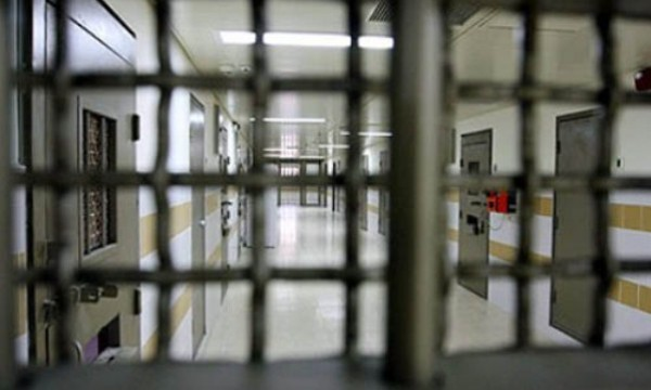 """أسرى """"جلبوع"""" يروون تفاصيل مؤلمة حول اقتحام المعتقل"""