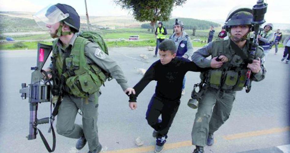 Photo of 220 طفلا أسيرا يتعرضون للتعذيب في السجون الاسرائيلية