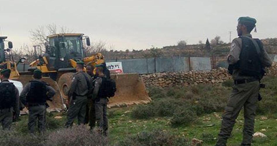 الاحتلال يجرف 145 دونمًا في قرية حجة بقلقيلية