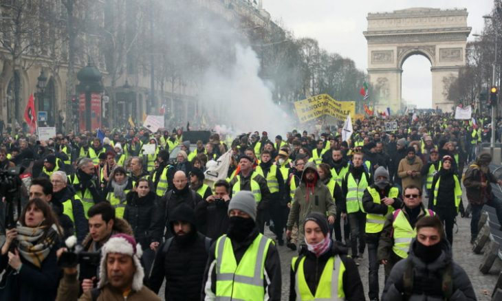 """Photo of آلاف الشرطيين في باريس استعدادا لتظاهرات محتجي """"السترات الصفراء"""""""