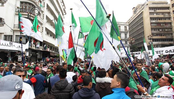 "Photo of تظاهرات الجمعة الـ31 من الحراك الجزائري: ""لا انتخابات مع حكومة العصابات"""