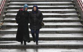 في النمسا.. لا يحق لأي بنت مسلمة ارتداء الحجاب بالابتدائي