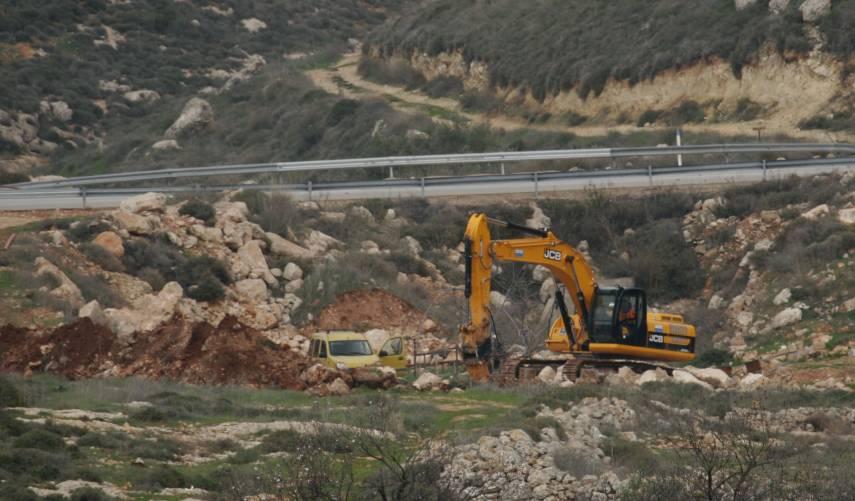 تقرير: حيلة جديدة لسيطرة المستوطنين على أراضي الفلسطينيين