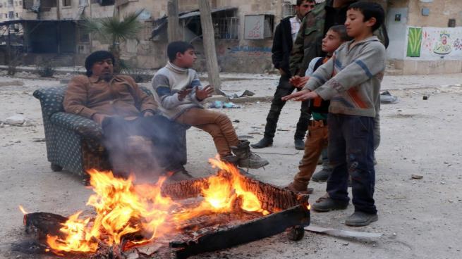 Photo of الشتاء على الأبواب… سوريون يبحثون عن وسائل تدفئة
