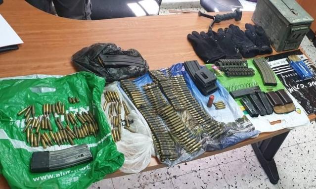 Photo of اعتقالات في كفر قرع وضبط أسلحة ومخدرات
