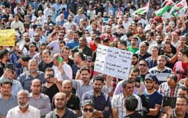 اتفاق بين الحكومة والمعلمين يُنهي أطول إضراب في تاريخ الأردن