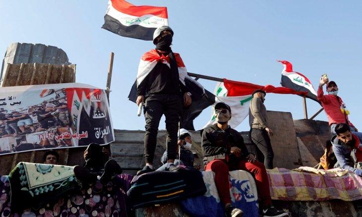 المتظاهرون يتوافدون إلى ساحات التظاهر في بغداد والمحافظات