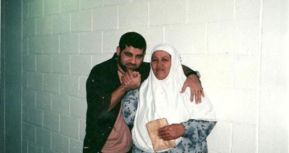 Photo of الأسير المريض أبو دياك: أريد الموت في حضن أمي