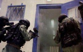 """الاحتلال يقتحم سجن """"نفحة"""" ويعتدي على الأسرى"""