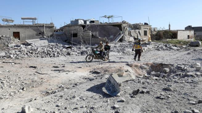 Photo of قصف روسي على إدلب.. والمعارضة تتراجع في جبل الأكراد