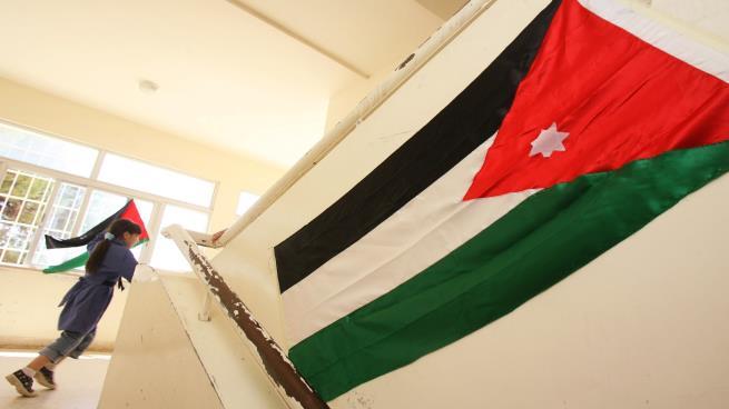 Photo of مناهج مدرسية مثيرة للجدل في الأردن