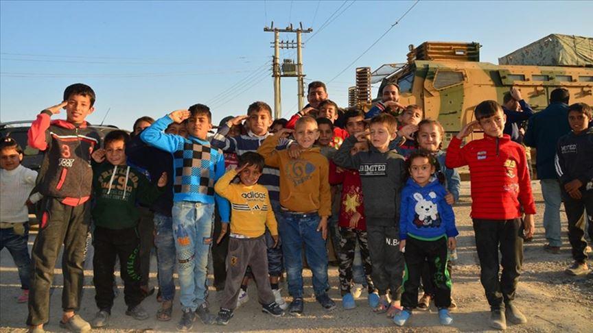 "Photo of أنقرة: بدء عودة السوريين إلى مناطق عملية ""نبع السلام"""