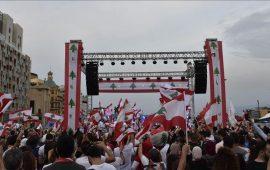 الشارع اللبناني يواصل الضغط مع دخول الاحتجاجات شهرها الثاني