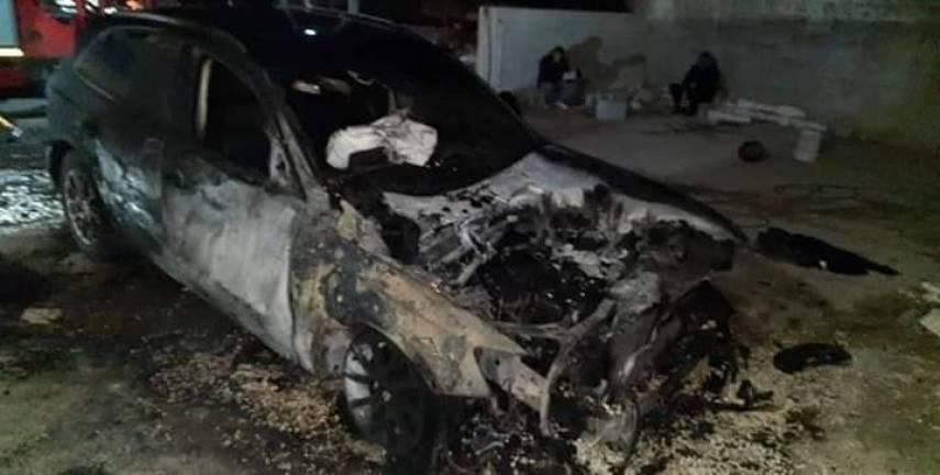 مستوطنون يحرقون عدة مركبات في نابلس