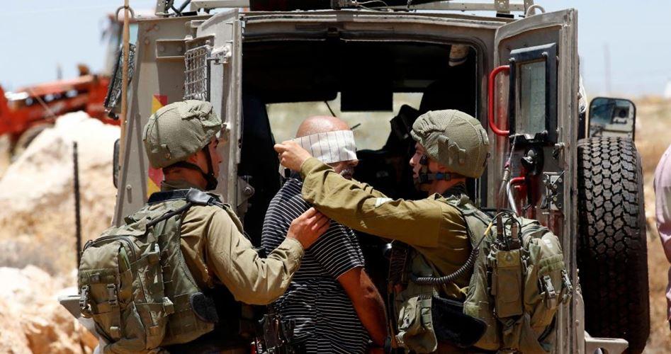 اعتقالات إسرائيلية بالضفة تطال نوابًا ووزيرًا سابقا وقيادات بحماس