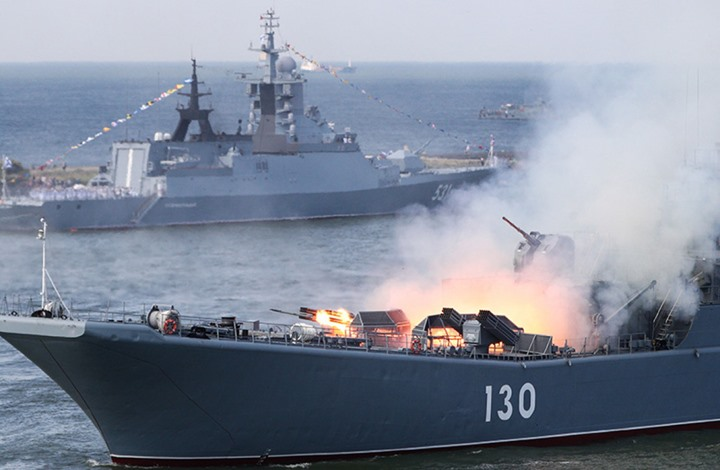Photo of لأول مرة.. إيران وروسيا والصين تجري مناورات بحرية مشتركة