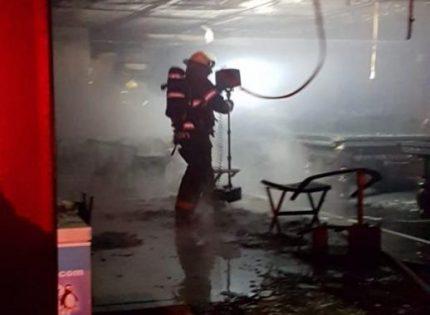 حريق في مقهى بعكا يسفر عن أضرار جسيمة
