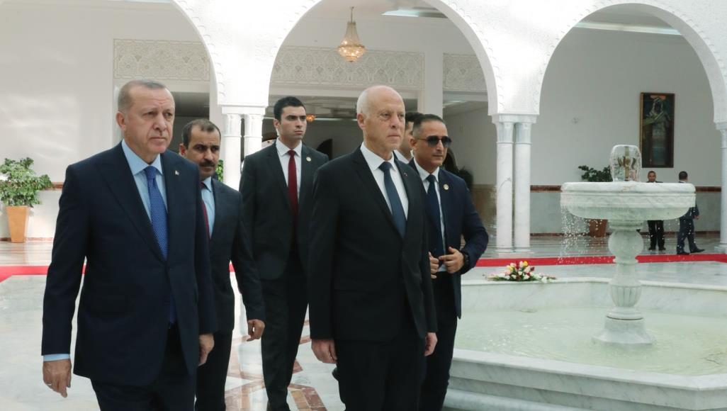 Photo of أردوغان يصل تونس في زيارة مفاجئة