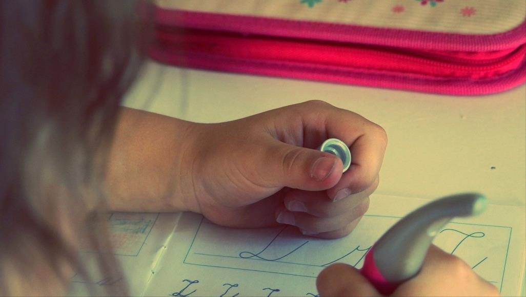مدرسة تلغي الواجبات المنزلية وتستبدل بها الأعمال الإنسانية