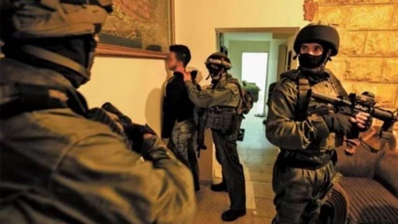 Photo of طالت 13 مواطناً.. حملة اعتقالات ومداهمات واسعة في مدن الضفة