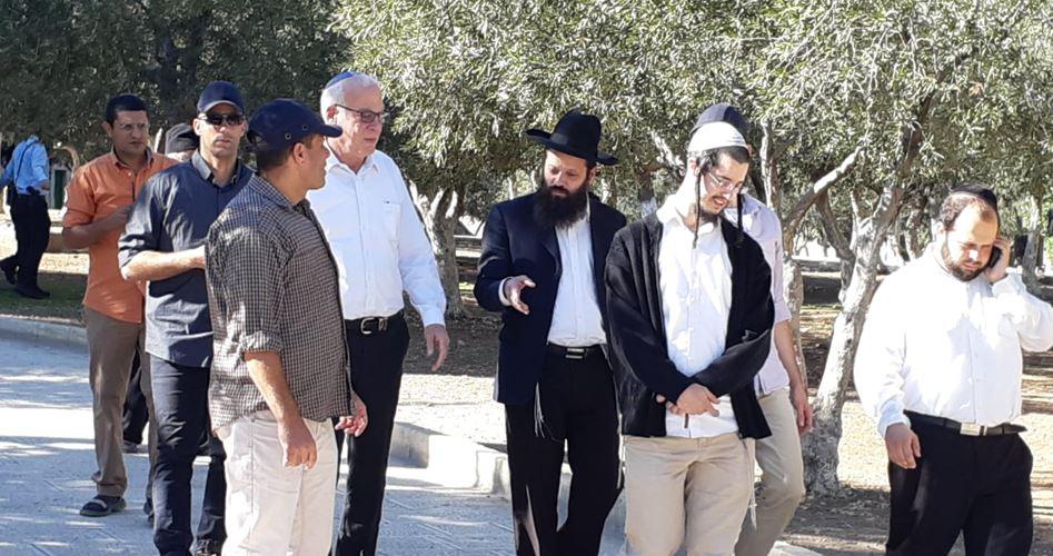 القدس.. 44 مستوطنًا يقتحمون باحات المسجد الأقصى