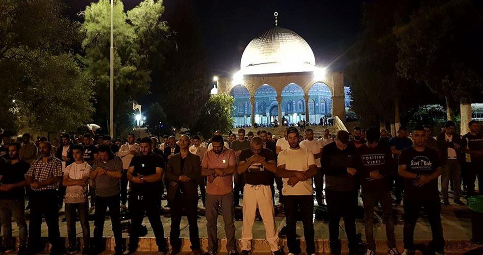 Photo of حماس تدعو للنفير وصلاة فجر حاشدة في الأقصى والإبراهيمي