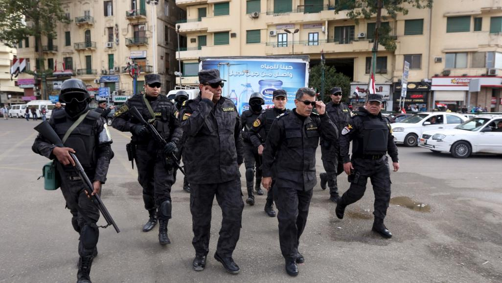 Photo of أنقرة تستدعي القائم بالأعمال.. الأمن المصري يقتحم مكتب وكالة الأناضول ويعتقل صحفيين