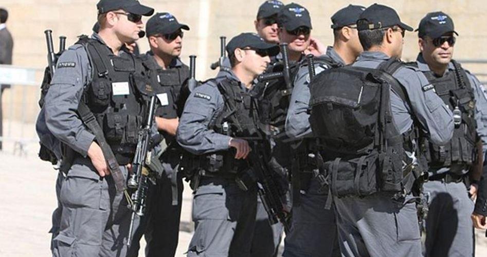 Photo of الاحتلال يُحول القدس لثكنة عسكرية ومستوطنون يقتحمون الأقصى