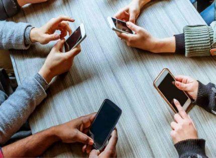 لمدمني الأجهزة الذكية.. 3 تطبيقات جديدة من جوجل للمساعدة على الحد من استخدام هواتفكم وتحسين صحتكم
