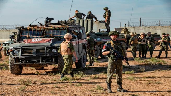 تعزيزات للنظام السوري وروسيا في الحسكة والرقة
