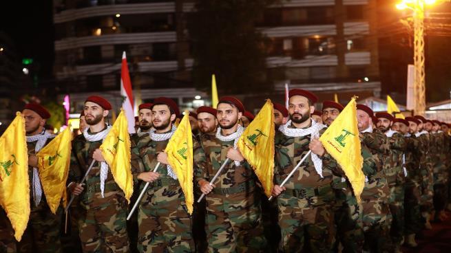 """بريطانيا تفرض عقوبات على """"حزب الله"""" بعد تصنيفه بالكامل منظمة إرهابية"""