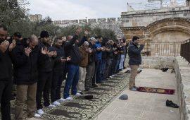 حماس: محاولات الاحتلال لإغلاق مصلى باب الرحمة فاشلة
