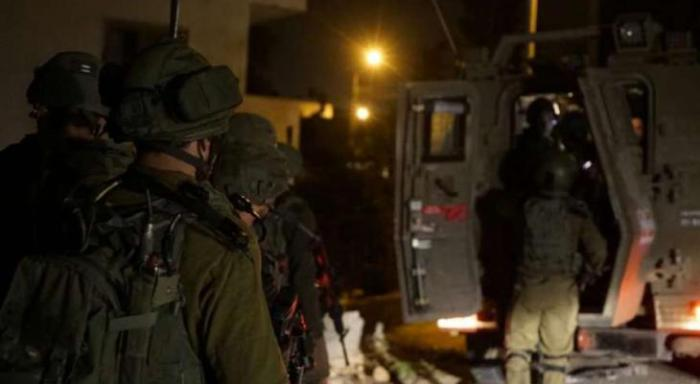 الاحتلال يشن حملة دهم واعتقال بمدن الضفة