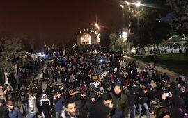 الآلاف يؤدون الفجر في الأقصى والإبراهيمي واندلاع مواجهات