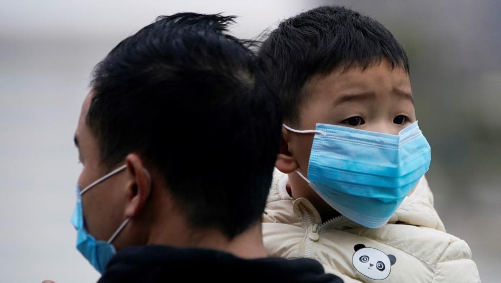Photo of قتلى فيروس كورونا في ارتفاع ومنظمة الصحة العالمية ترسل فريقا طبيا إلى الصين