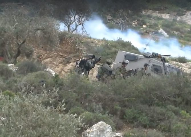 Photo of إصابات خلال صد هجوم للاحتلال بجبل العرمة بنابلس
