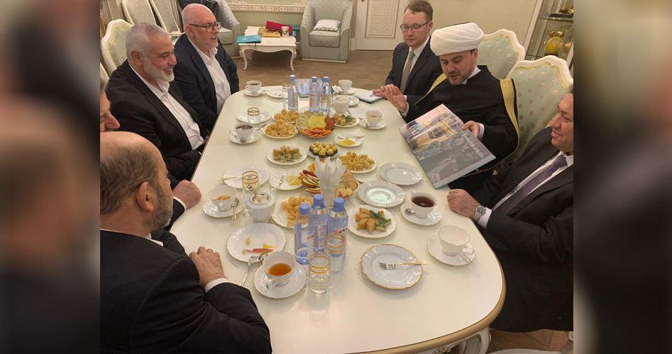 Photo of هنية يلتقي الإدارة الدينية للمسلمين في موسكو